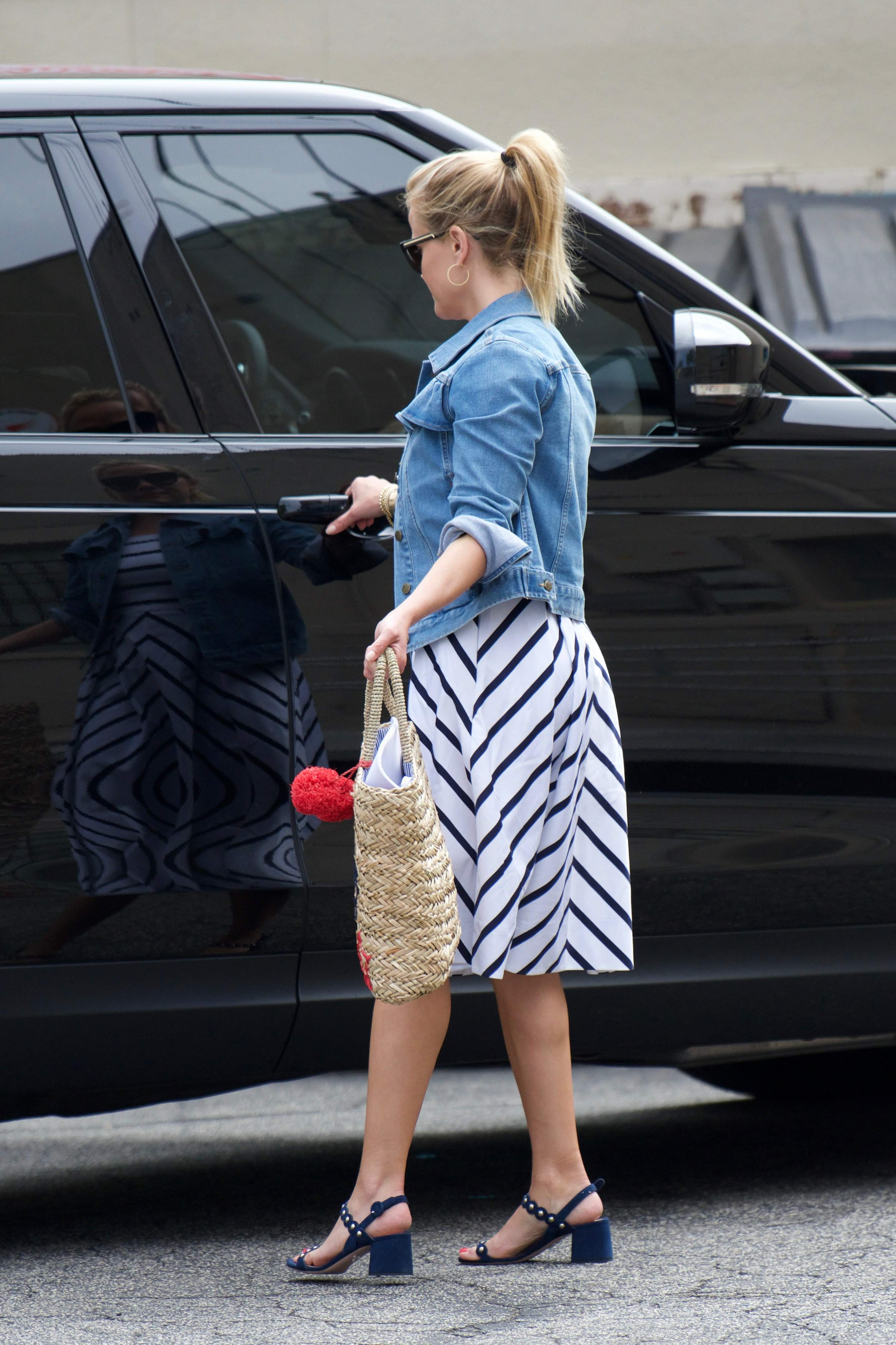 74542106 reese witherspoon 02072018 p 55